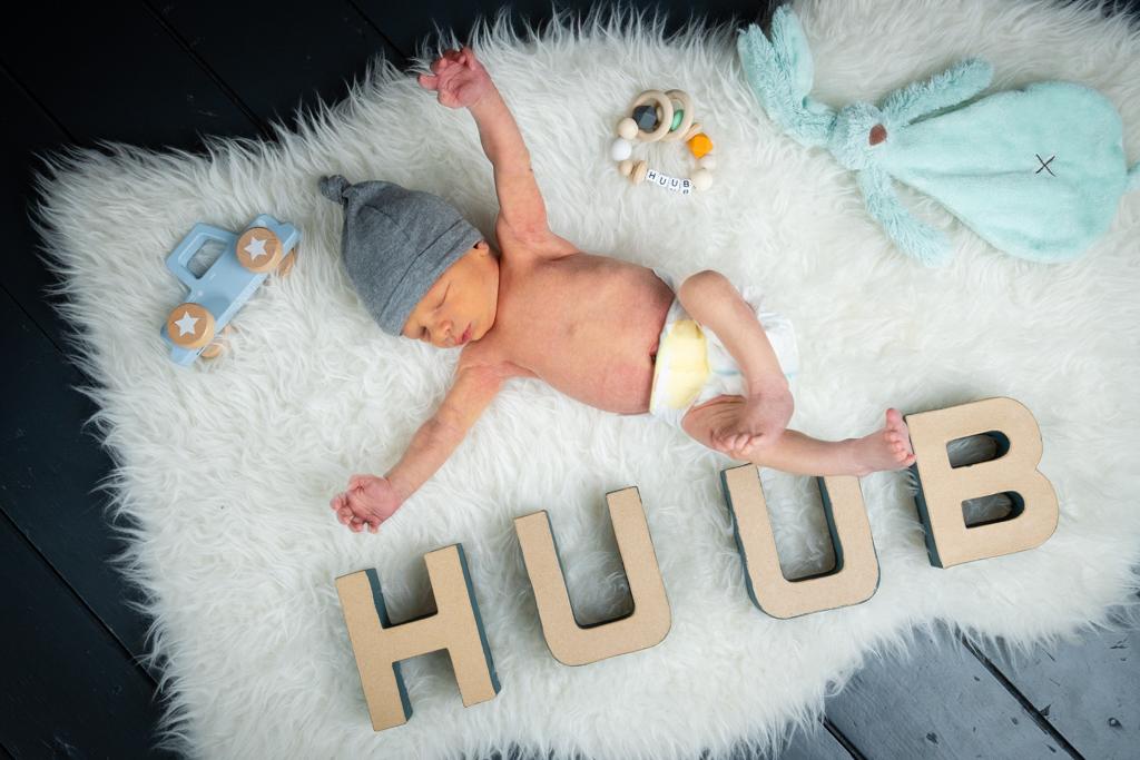 Newborn Huub